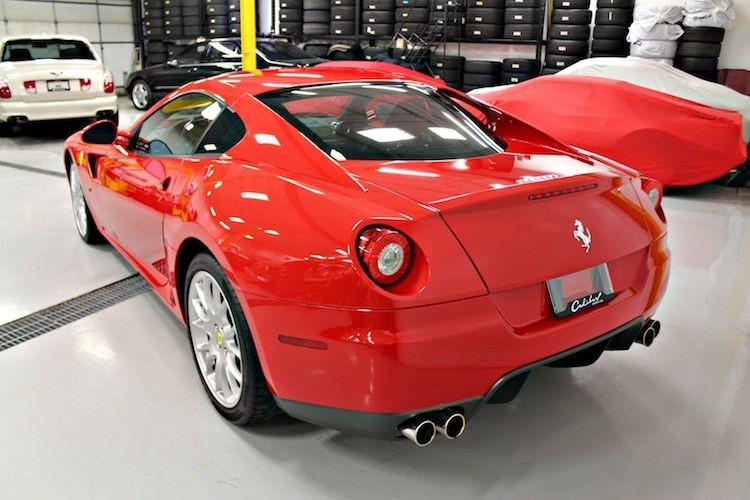 """Sieu xe Ferrari 599 GTB so san """"thet gia"""" toi 15 ty-Hinh-8"""