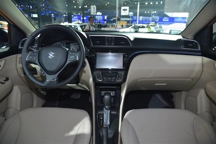 """Sedan hang B """"e nhat Viet Nam"""" Suzuki Ciaz 2017 moi-Hinh-4"""