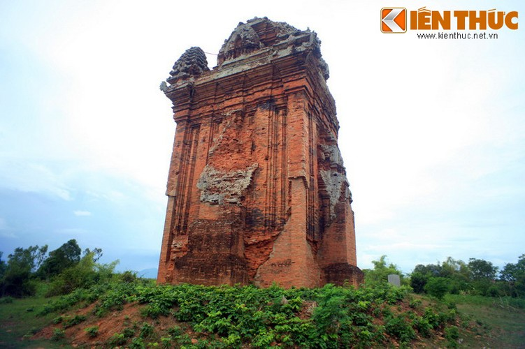 Ngam toa thap Cham xay ra chuyen la trong con bao 1985-Hinh-2