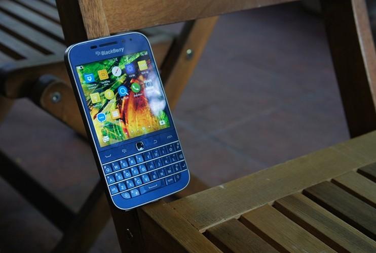 Can canh smartphone BlackBerry Classic mau xanh cuc doc o Viet Nam-Hinh-11