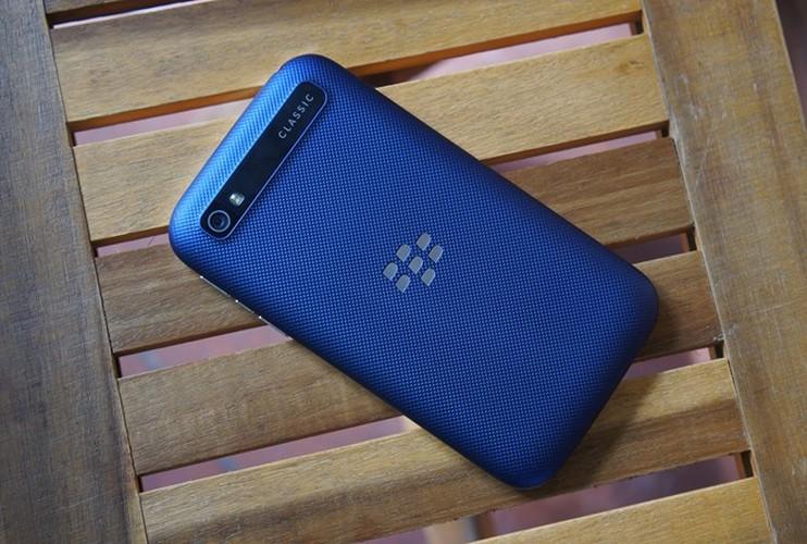 Can canh smartphone BlackBerry Classic mau xanh cuc doc o Viet Nam-Hinh-2
