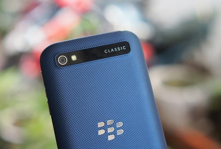 Can canh smartphone BlackBerry Classic mau xanh cuc doc o Viet Nam-Hinh-3