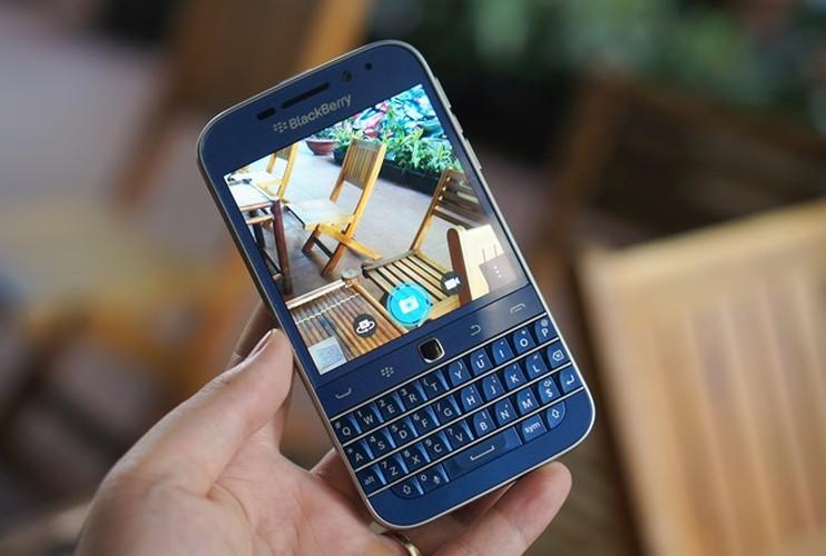 Can canh smartphone BlackBerry Classic mau xanh cuc doc o Viet Nam-Hinh-5