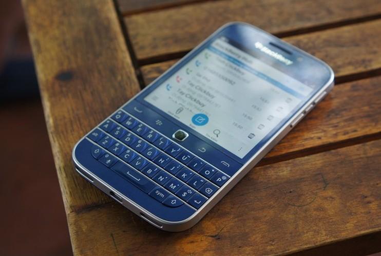 Can canh smartphone BlackBerry Classic mau xanh cuc doc o Viet Nam-Hinh-9