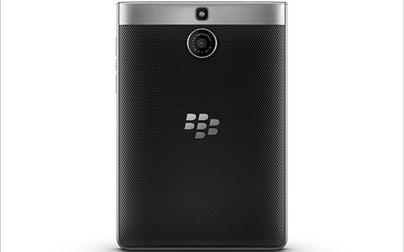 Soi ti mi dien thoai BlackBerry Passport ban moi dep nhu mo-Hinh-8