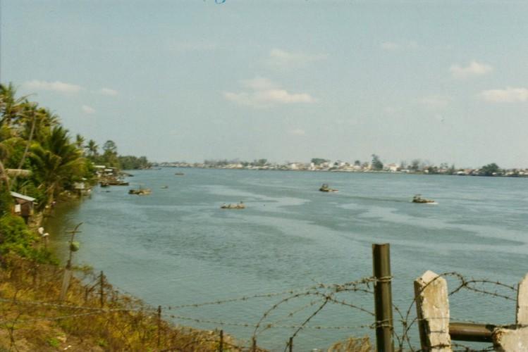 Mien Nam Viet Nam 1971-1972 trong anh linh truc thang My (2)-Hinh-4