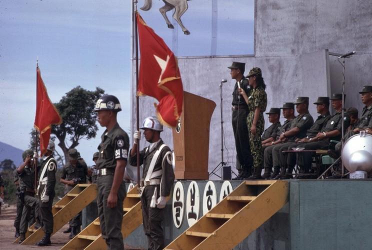 Chien tranh Viet Nam trong loat anh cua Phillip Kemp (1)-Hinh-14
