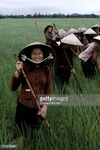 Phu nu Viet thoi chien qua anh phong vien quoc te (1)-Hinh-2