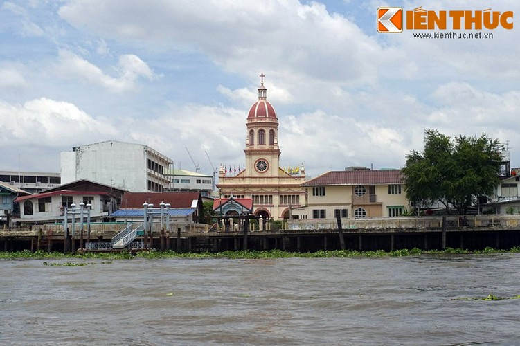 Nha tho kieu Bo Dao Nha cuc noi tieng cua Bangkok