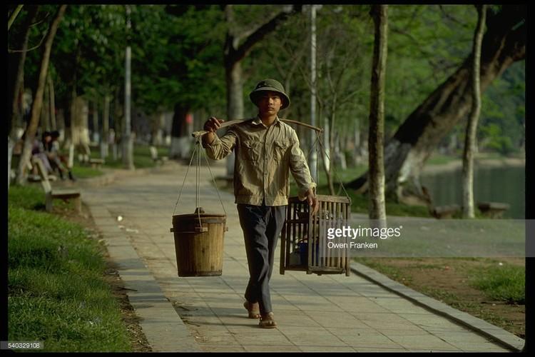 Boi hoi ngam anh than thuong ve Ha Noi nhung nam 1990-Hinh-3