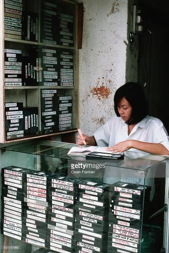 Boi hoi ngam anh than thuong ve Ha Noi nhung nam 1990-Hinh-5