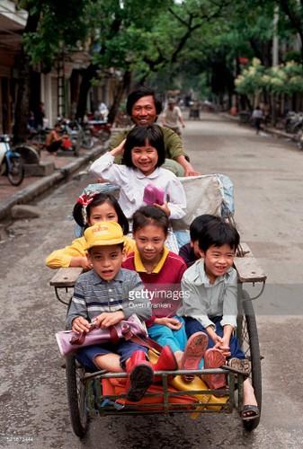 Boi hoi ngam anh than thuong ve Ha Noi nhung nam 1990-Hinh-8