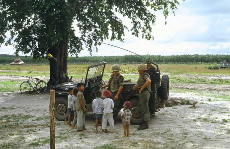 Anh doc tre em Viet Nam nam 1967 cua cuu binh My-Hinh-4
