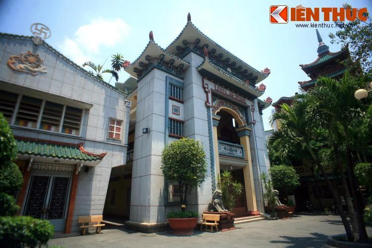 Kham pha chua An Quang noi tieng Sai Gon-Hinh-2