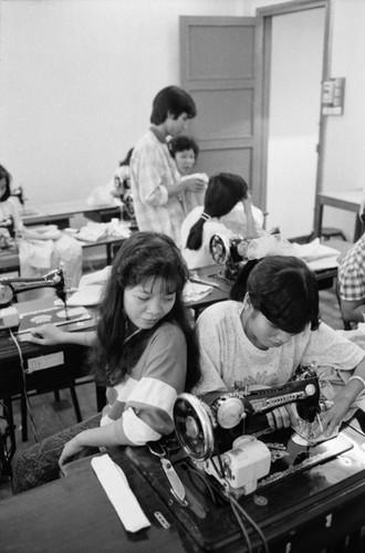 Anh kho quen ve Sai Gon nam 1990 cua John Vink (2)-Hinh-4