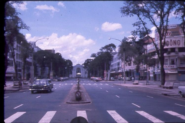 Sai Gon nam 1963 - 1964 trong anh cua Jack Waer (1)-Hinh-2