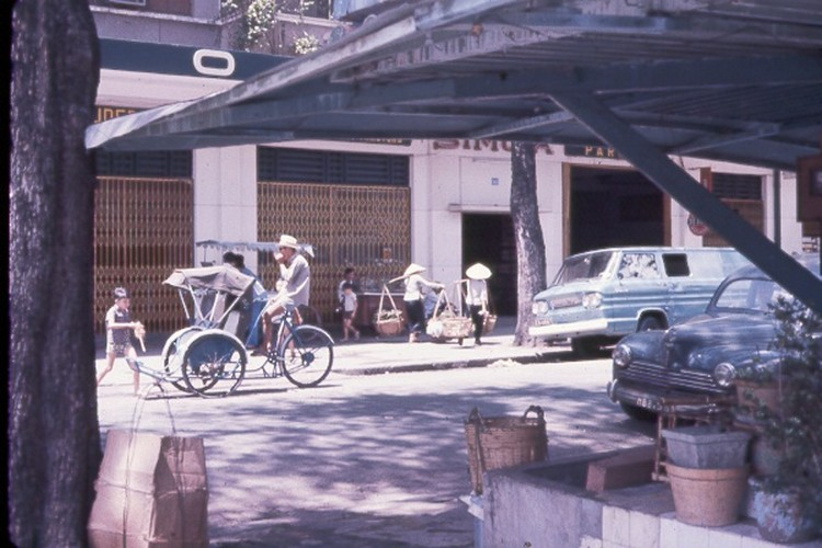 Sai Gon nam 1963 - 1964 trong anh cua Jack Waer (1)-Hinh-5