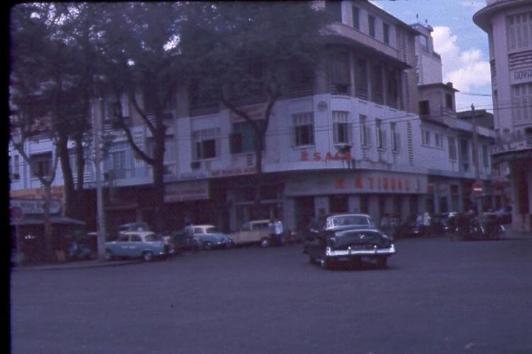 Sai Gon nam 1963 - 1964 trong anh cua Jack Waer (1)-Hinh-7