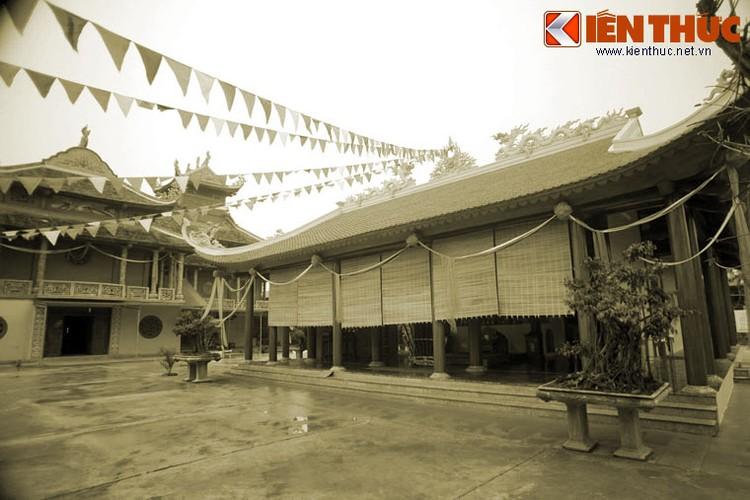 Kham pha ngoi chua co so phan dac biet nhat xu Thanh-Hinh-10