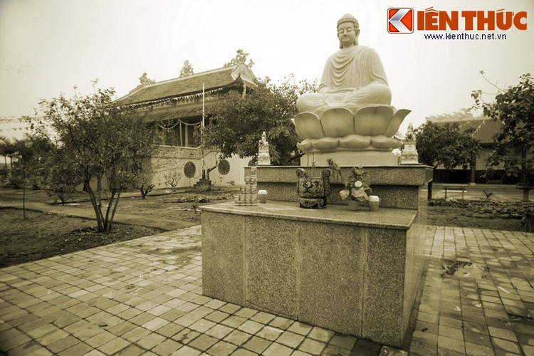 Kham pha ngoi chua co so phan dac biet nhat xu Thanh-Hinh-5