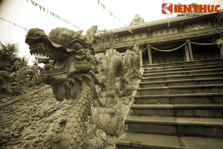 Kham pha ngoi chua co so phan dac biet nhat xu Thanh-Hinh-8