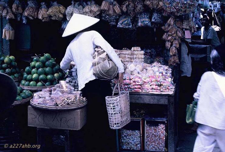 Anh doi thuong thu vi ve Phan Thiet 1967 cua Bob Kelly (2)-Hinh-11