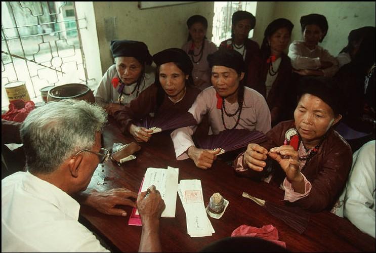 Anh cuc chat ve Ha Noi nam 1994-1995 cua Bruno Barbey (2)-Hinh-10