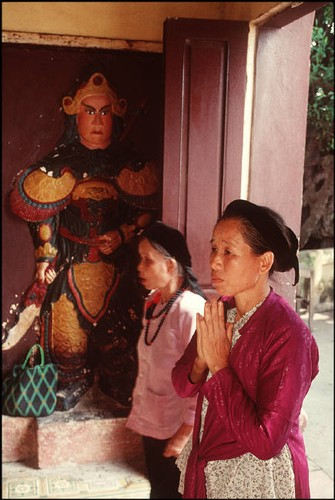 Anh cuc chat ve Ha Noi nam 1994-1995 cua Bruno Barbey (2)-Hinh-8