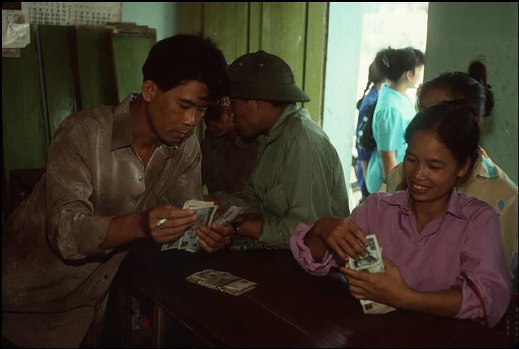 Anh doc ve sac mau cuoc song o Cao Bang nam 1994-1995 (2)-Hinh-12