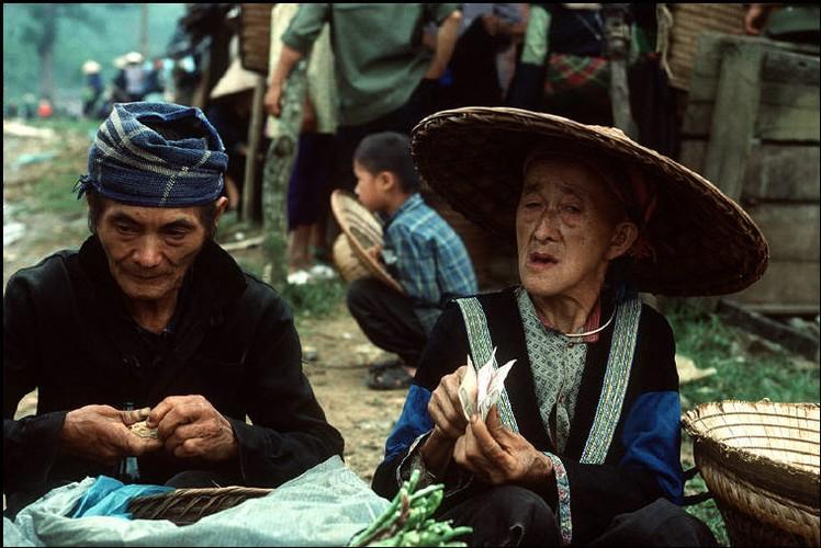 Anh doc ve sac mau cuoc song o Cao Bang nam 1994-1995 (2)-Hinh-14