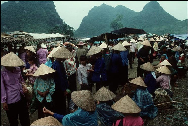 Anh doc ve sac mau cuoc song o Cao Bang nam 1994-1995 (2)-Hinh-6