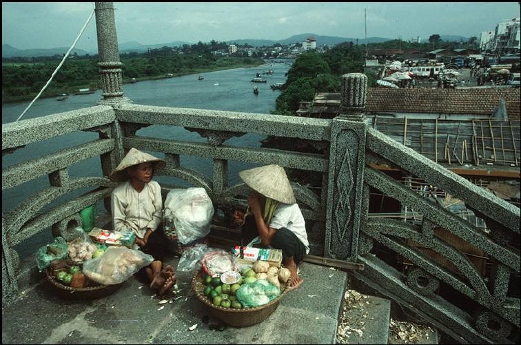Nhung hinh anh tuyet voi ve Quang Ninh nam 1994-1995-Hinh-13