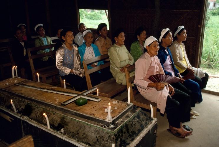 Nhung hinh anh tuyet voi ve Quang Ninh nam 1994-1995-Hinh-16