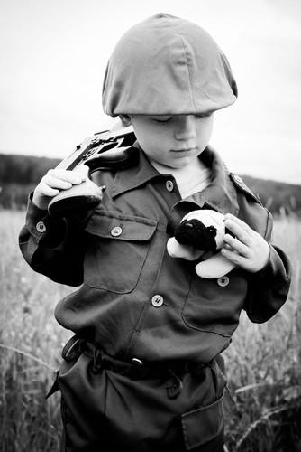 Lang nguoi bo anh tai hien chien tranh Viet Nam bang tre em-Hinh-14
