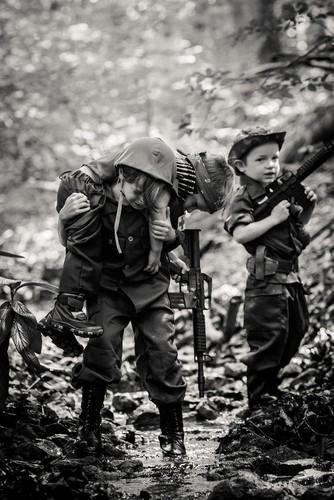 Lang nguoi bo anh tai hien chien tranh Viet Nam bang tre em-Hinh-15