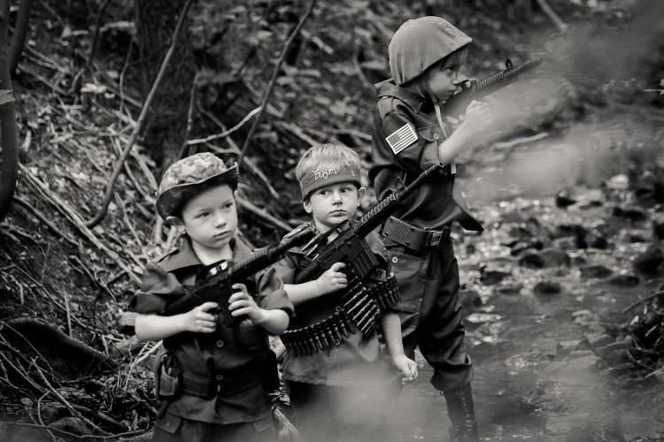 Lang nguoi bo anh tai hien chien tranh Viet Nam bang tre em-Hinh-16