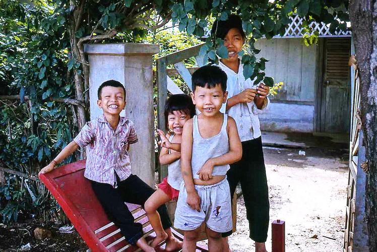 Loat anh ngo nghinh ve tre em Vung Tau nam 1967-Hinh-2