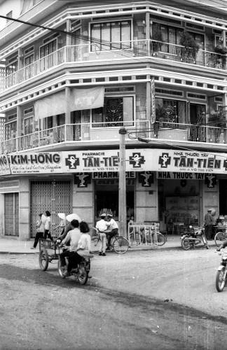 Anh song dong ve duong pho Nha Trang nam 1968-Hinh-4