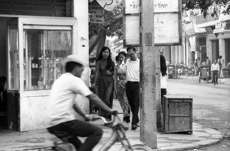 Anh song dong ve duong pho Nha Trang nam 1968-Hinh-5