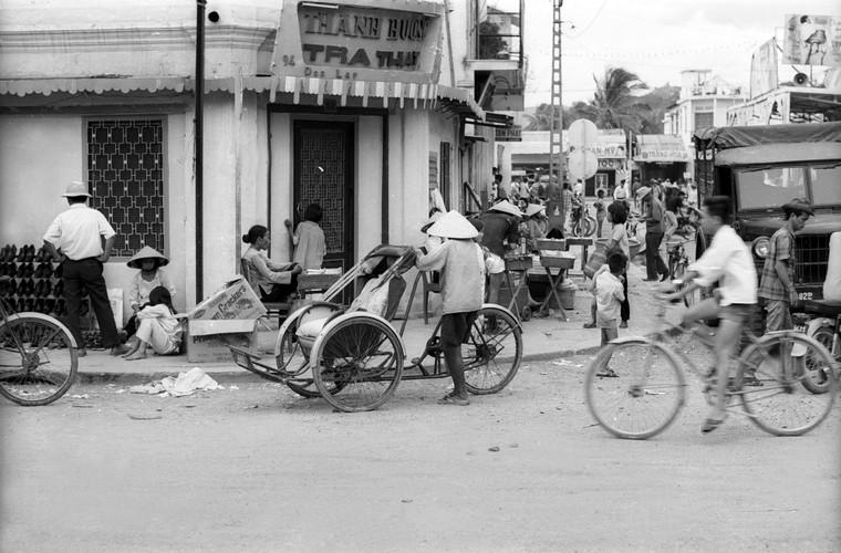 Anh song dong ve duong pho Nha Trang nam 1968-Hinh-7
