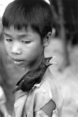 Hinh anh khong the quen ve tre em Viet Nam nam 1993 (1)-Hinh-8