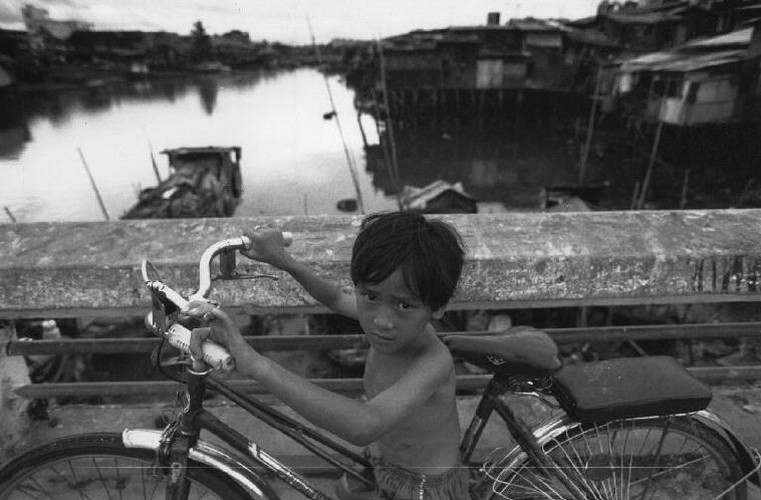 Hinh anh khong the quen ve tre em Viet Nam nam 1993 (1)