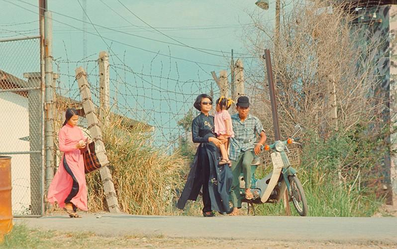 Loat anh day tuong phan ve phu nu Sai Gon truoc 1975-Hinh-3