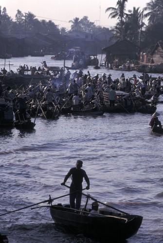 Viet Nam cuoi thap nien 1990 trong anh cua Hiroji Kubota (1)-Hinh-12