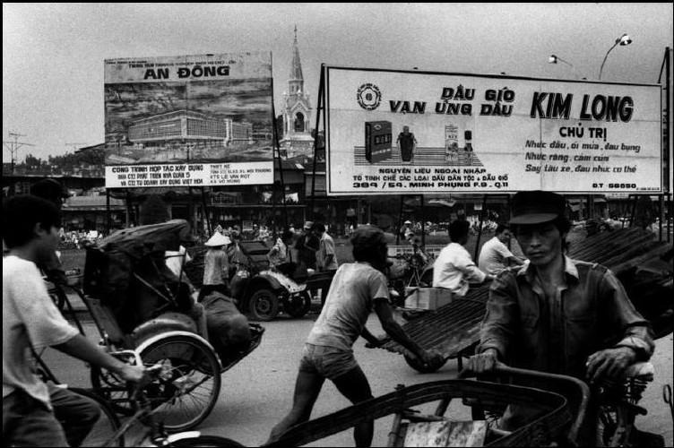 Cuoc song o Cho Lon nam 1991 qua anh Patrick Zachmann (1)-Hinh-2