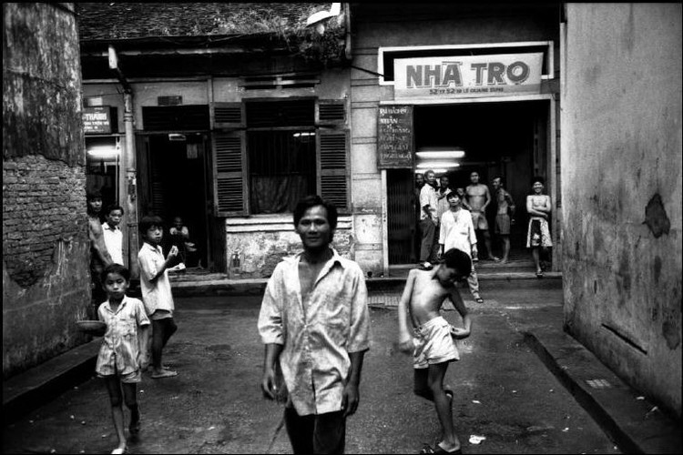 Cuoc song o Cho Lon nam 1991 qua anh Patrick Zachmann (1)-Hinh-5