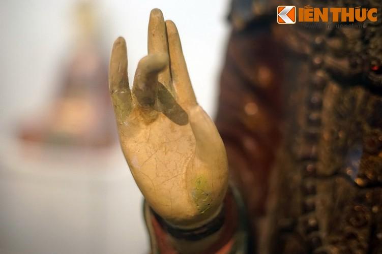 Ve dep Hoang hau Trinh Thi Ngoc Truc qua buc tuong 300 tuoi-Hinh-4