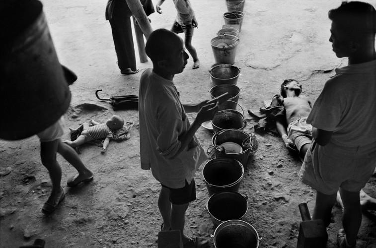 Can canh cuoc song cua nguoi ngheo o Hong Kong nam 1952 (1)-Hinh-3