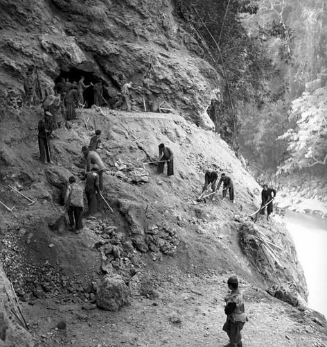Myanmar nam 1942 qua ong kinh phong vien Anh (2)-Hinh-6