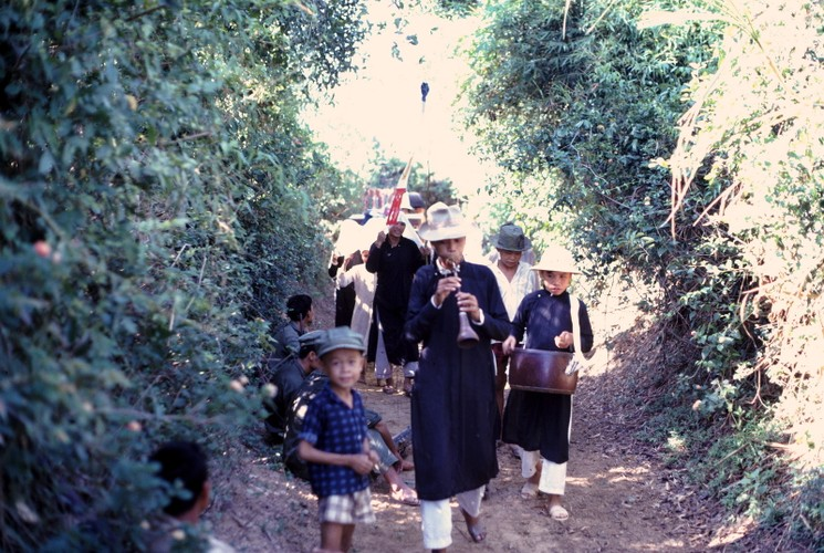 Anh doi thuong hiem co ve Hue va Quang Tri nam 1967-Hinh-12